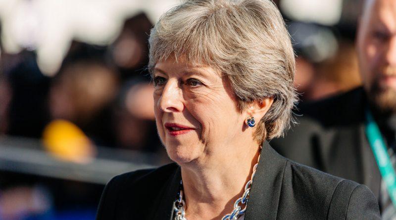 May contra las cuerdas: Aplaza la votación del Brexit en busca de un nuevo acuerdo