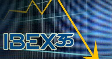 Al 0,56% cae el IBEX 35 por las pérdidas del Santander y el turismo