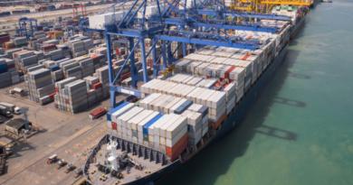 Las exportaciones de mercancía en España se hunden vertiginosamente durante el primer semestre