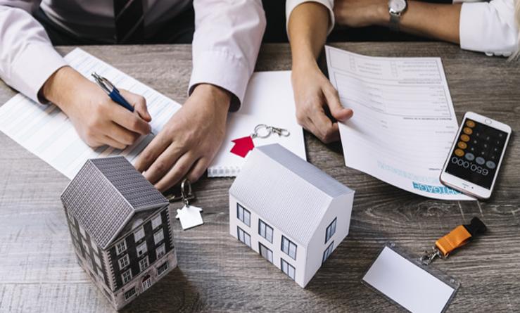 Las compraventas de viviendas en España disminuyeron en agosto por sexto mes consecutivo
