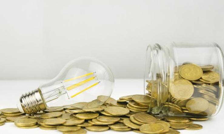 Los precios caen en España un 0,9 % en octubre frente al mismo mes del año pasado por la bajada de la electricidad