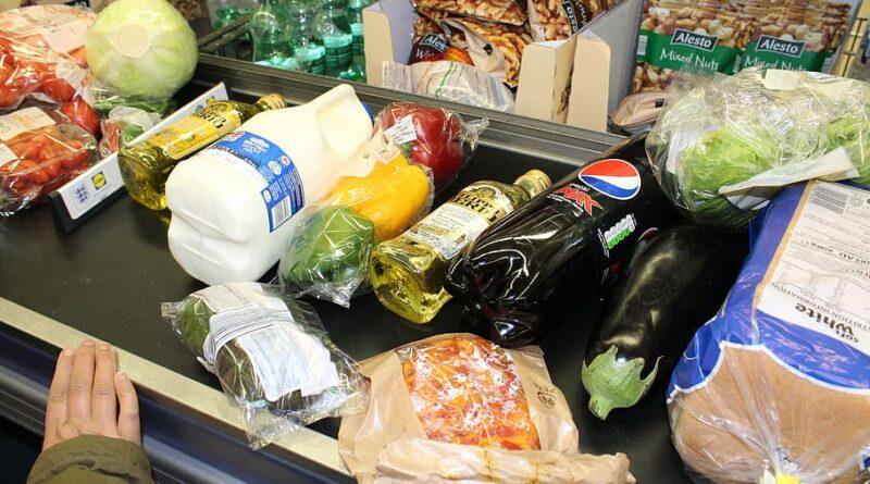 Consumidores españoles prefieren pocos productos pero de más calidad