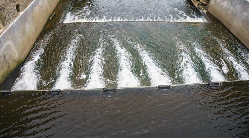 Órganos públicos de Brasil ahorran energía por la crisis hídrica